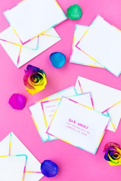 Add color to your mail by DIY-ing rainbow edge stationery with just white envelopes, paint and makeup sponges! So easy! Diy Paper, Paper Crafts, Diy Crafts, Pom Pom Headband, Envelope Art, Rainbow Wedding, What To Make, White Envelopes, Mother Gifts