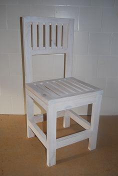O bueno, no están mal, y de color blanco que ni pintado #madera #mueble #rustico #cosas #artesanal #habitacion #diseño #exterior #interior #decoracion #wood