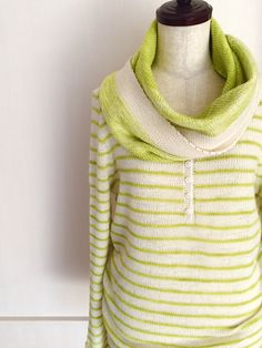 Driftwood Pullover by Isabell Kraemer, knitted by Knittimo (Sachiko) and paired with  Spring Kerchief Shawl | malabrigo Lace in Apple Green and Natural