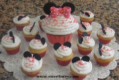 http://sweetsusy.com/yahoo_site_admin/assets/images/Minnie_Mouse_Mini_Cupcakes.156223526_large.jpg