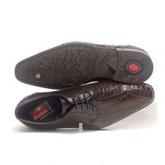 Alucinante zapato Fluchos de piel grabada. Personalidad, elegancia y estilo. Todo en uno!