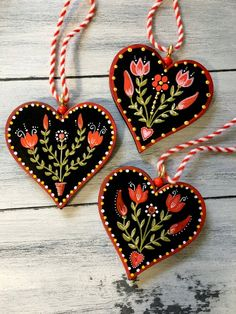 Norwegian Rosemaling, Folk Art Flowers, Romantic Gifts For Her, Tole Painting, Tole Decorative Paintings, Scandinavian Folk Art, Heart Ornament, Christmas Crafts, Christmas Ornaments