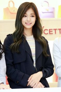 Tzuyu - Twice Cute Girl Pic, Stylish Girl Pic, Stylish Outfits, Cute Girls, Cool Girl, Kpop Girl Groups, Korean Girl Groups, Kpop Girls, Korean Beauty