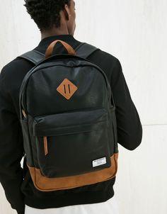 Sac à dos school. Découvrez cet article et beaucoup plus sur Bershka, nouveaux produits chaque semaine. Men's Backpack, Fashion Backpack, Mochila Herschel, Leather Men, Leather Wallet, Boy Fashion, Mens Fashion, Outfits Hombre, Cute Notes
