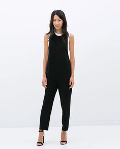 A week's time can mean tons of new amazing finds at Zara. That's part of the thrill of being a Zara shopper — well that, and the fact that most of the High Street Fashion, Zara Jumpsuit, Jumpsuit Dress, Black Jumpsuit, Zara Overall, Zara Mode, Zara Fashion, Zara Dresses, Trousers Women