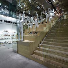 UK-based shoe and accessory retailer Kurt Geiger has been rolling out its new retail store concept in the UK and around the world with the help of its long-time collaborators at Found Associates of London. - Shopping can never be the same.