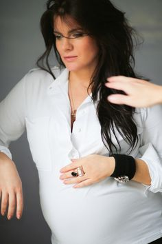 CHIC SHIRT white is pregnant JOLKA KOSZULA #white #shirt #pregnant #elegant #classy #outfit #fashion #lessismore #biała #koszula #elegancka #wygodna