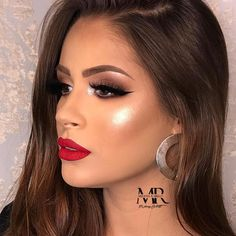 50 easy pretty makeup ideas for women 12 Related Red Lipstick Makeup Looks, Eye Makeup Glitter, Red Dress Makeup, Glam Makeup Look, Red Makeup, Makeup For Brown Eyes, Gorgeous Makeup, Pretty Makeup, Hair Makeup