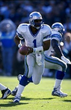 cfb7976c 15 Nov 1998: Quarterback Warren Moon #1 of the Seattle Seahawks in action  during