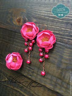 Комплекты украшений ручной работы. Ярмарка Мастеров - ручная работа. Купить Комплект кольцо и сережки с цветами из полимерной глины розовые фуксия. Handmade.