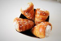 Pretzel Bites, Deserts, Bread, Ethnic Recipes, Food, Brot, Essen, Postres, Baking