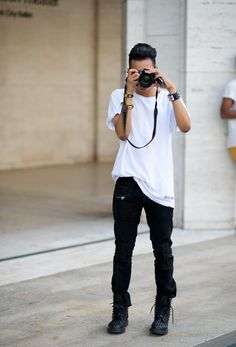 white xxl shirt and black skinny chino - btw, need that pants! where to buy? comment pls!