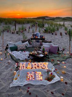 Surprise Proposal Pictures, Cute Proposal Ideas, Beach Proposal, Cute Date Ideas, Romantic Proposal, Romantic Beach, Cute Wedding Ideas, Wedding Goals, Dream Wedding