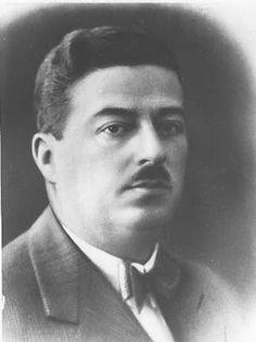 Ercüment Ekrem Talû, (1886, İstanbul - 1956) Türk gazeteci, yazar ve siyasetçi.  Talû, ömür boyu devletin çeşitli kademelerinde görev yapmış ve birçok gazete ve dergide fıkra, sohbet, makale, hikâye, roman, hatıra ve şiirler yayınlamış, bir dönemin çok okunan yazarları arasına girmiş bir yazar ve mizah ustasıdır.  Tanzimat döneminin ünlü şairi Recaizade Mahmut Ekrem'in oğludur. Çevirmen Esin Talu Çelikkan ile ilk Türk spor spikerlerinden Muvakkar Ekrem Talu'nun babası; gazeteci yazar Umur…
