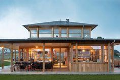 Une maison en bois design Philippe Starck près de la plage - PLANETE DECO a homes world Tropical Architecture, Amazing Architecture, Architecture Design, Philippe Starck, Maison Stark, House Deck, Micro House, Spanish Style Homes, New England Style