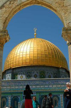 Veja 10 cidades medievais que você não pode perder Tel Aviv Jerusalem, Beautiful World, Beautiful Places, Places To Travel, Places To Go, Terra Santa, Art Et Architecture, Karbala Photography, Visit Israel