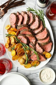 Garlic Rosemary Beef Tenderloin - Damn Delicious Pork Recipes, Cooking Recipes, Healthy Recipes, Simply Recipes, Beef Dishes, Carne, Dinner Recipes, Dinner Ideas, Recipes