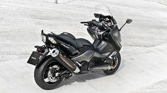 2015 Yamaha T-MAX Iron Max boasts on metal accents