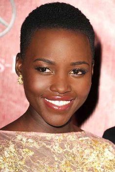 25 Super Short Haircuts for Black Women_13