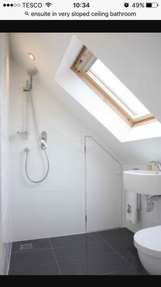 Looking for loft conversion bathroom ideas? Simply Loft are leading loft conversion specialists and we present to you many loft bathroom design ideas including design & ensuite Small Wet Room, Small Attic Bathroom, Upstairs Bathrooms, Bathroom Design Small, Small Bathrooms, Attic Apartment, Attic Rooms, Attic Spaces, Wet Rooms
