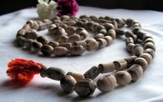 Chanting Hare Krishna mantra on beads (Part 2)