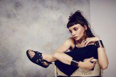 #INUIKII black sandal with stones