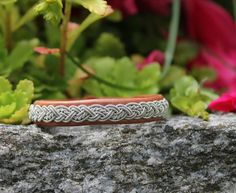 Sami bracelet *Ny This bracelet shines solo, but it loves to mingle with other bracelets, too!  Design information * Genuine leather * Braid in