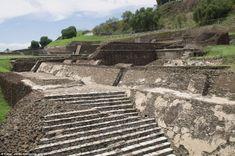 Tlachihualtepetl. Mexique.  La plus grande pyramide du monde