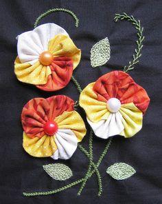 Flor de Fuxico Amor Perfeito Passo a Passo (Foto: cristinacrepaldi.blogspot.com.br)