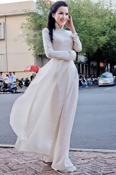 There is something about a simple, white áo dài