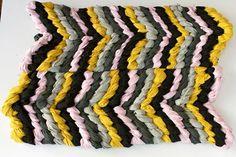 DIY Chevron      : DIY: Friendship Bracelet chevron rug  : DIY Crafts
