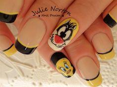 Sylvester And Tweety <3  by Stoneycute1 - Nail Art Gallery nailartgallery.nailsmag.com by Nails Magazine www.nailsmag.com #nailart
