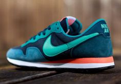 Nike Air Pegasus - Dark Obsidian - Hyper Turquoise Sneakers greatly benefit from shoe trees related to care, preservation, display and travel. Sole Trees makes premium shoe trees for sneakers Nike Air Pegasus, Sneakers Mode, Sneakers Fashion, Shoes Sneakers, Nike Tenis, Nike Blazer, Running Silhouette, Zapatillas Casual, Nike Windbreaker