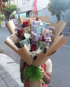Food Bouquet, Felt Flower Bouquet, Gift Bouquet, Balloon Bouquet, Felt Flowers, Diy Flowers, Money Bouquet, Money Flowers, Edible Bouquets