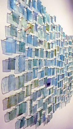 Brandie Grogan | Gallery Wall Sculptures, Sculpture Art, Nachhaltiges Design, Plastic Art, Outdoor Art, Wire Art, Art Sketchbook, Installation Art, Paper Art