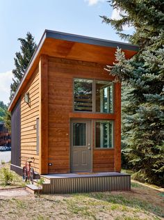 Charles Cunniffe Architects completes affordable housing complex in Colorado ski town Modern Wooden House, Wooden House Design, Timber House, Small House Design, Tiny House Cabin, Tiny House Plans, Small Cabin Plans, Small Cabins, Minimalist House Design