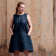 The Grainline Farrow dress was a queue-jumper for me, because I wanted it in my wardrobe immediately, and because in this tumultuous week, I felt an urgent need to do something constructive with my nervous energy. #sewingformentalhealth #farrowdress @grainlinestudiofarrowdress,sewingformentalhealthlempobee