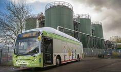 El primer bus a basura ya circula por el Reino Unido.