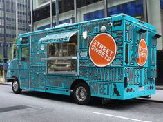 Are Food Trucks The New Hippie Mobile? Check out the cool designs on these food trucks: Which is your favorite food truck design? Food Truck Design, Food Design, Bakery Design, Foodtrucks Ideas, A Food, Good Food, Yummy Food, Mobile Food Trucks, Mobile Catering