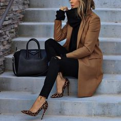 20 ideas de trajes elegantes de moda que caen - Kleidung für Teenager - Zapatos Winter Trends, Fall Outfits For Work, Fall Winter Outfits, Winter Ootd, Classy Outfits For Women, Winter Heels, Winter Style, Winter Office Outfit, Woman Outfits
