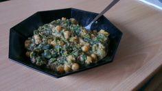 Kichererbsen-Spinatauflauf mit Mandel-Knoblauch-Sauce