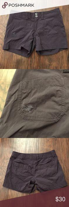 Arc'teryx Shorts plum 6 EUC arc'teryx Shorts size 6, plum color. Arc'teryx Shorts