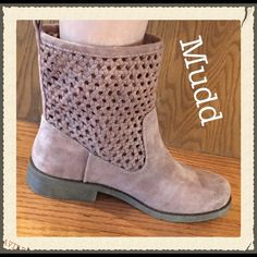 MUDD Perforated Taupe Ankle Boots 7 MUDD taupe ankle boots in super soft faux suede. The perforated woven shaft is such a fun and unique touch. Pull tabs for easy on/off and rubber bottom sole provides good traction. Brand NEW Size 7 Mudd Shoes Ankle Boots & Booties