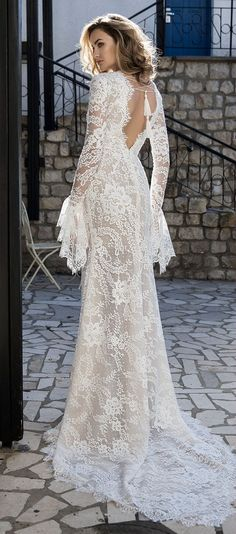The Henika 2017 dress made of special Spanish lace and has sleeves that give the dress a unique look.