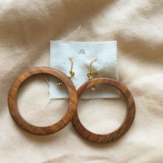 These vintage wooden hoops are the perfect minimal statement earring. Amazing condition, no tarnishing or discolouration. Wooden Hoop, Statement Earrings, Etsy, Vintage, Amazing, Leather, Jewelry, Jewlery, Bijoux