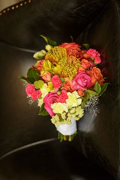 Photo by Kristen Wynn Photography,  Floral Design by T&J Floral