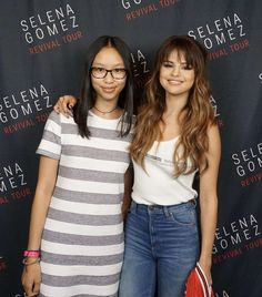 Photo | Selena Gomez – Meet and Greet at the Revival World Tour in Chicago