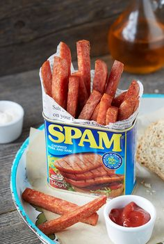 Savoury, crispy and enticingly more-ish Spam fries will really surprise you. Indulge in these guilty secret treats - an easy one ingredient breakfast! Spam Fries Recipe, Spam Recipes, Cooking Recipes, Easy Recipes, Pork Recipes, Brunch Recipes, Delicious Recipes, Spam Can, Pizza