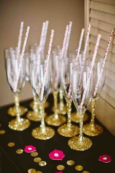 Glitter stemmed champagne flute. Cheap toasting flute with excellent quality! Great for wedding parties, New Years and holiday dinners, or just to have for a girls night out birthday celebration! Choo