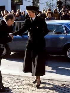 1989-11-23 Diana arrives at Vaduz Cathedral in Vaduz, Liechtenstein, for the Funeral of Prince Franz Josef II